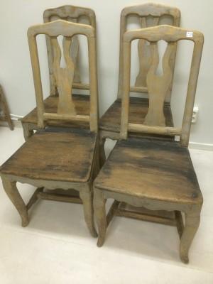 118.) 4 rokoko stolar 1700-tal i originalfärg (publ.10/4-19)