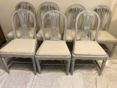 185.) 6 gustavianska stolar med en senare målning (publ.10/4-19)